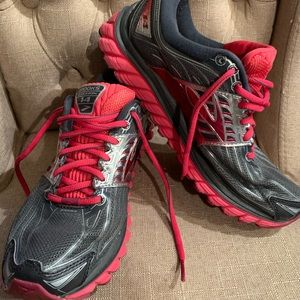 Brooks women's 8.5